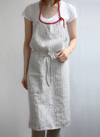Apron-Striped with contrast piping