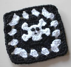 Skull and Crossbone Granny Squares (pattern)