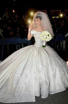 Thalia Wedding Gown Was Designed By Mexican Designer Mitzy