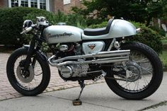 Honda CB350 Cafe Racer by Gasser Customs #motorcycles #caferacer #motos | caferacerpasion.com