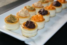 Anna recetas fáciles: Volovanes variados express Vol Au Vent, Food Humor, Finger Foods, New Recipes, Catering, Sushi, Dips, Cheesecake, Muffin