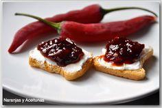 naranjas y aceitunas: MERMELADA DE PIMIENTOS ROJOS Y GUINDILLAS Chile, Jelly, Waffles, Cheesecake, Breakfast, Desserts, Food, Vinaigrette, Olives