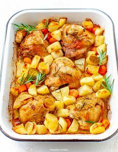 Pieczone udka z ziemniakami, porem i marchewką Tasty, Yummy Food, Polish Recipes, Kung Pao Chicken, Food And Drink, Meat, Cooking, Ethnic Recipes, Dinners