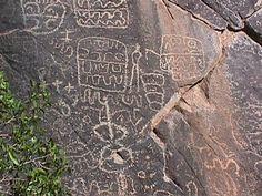 Petroglifo quebrada Batuco Artwork Display, Graphic Patterns, Glyphs, Ancient Art, Prehistoric, Rock Art, Chile, Stone, History