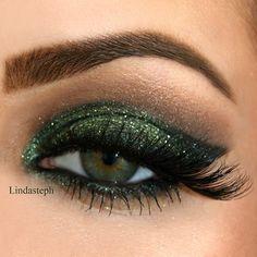 Forest Green Glitter Look
