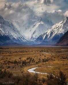 The gorgeous New Zealand Alps.