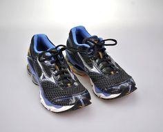 c51be844cc4 Mizuno Wave Creation 13 Women s Sz 9 Black Purple Running Shoes