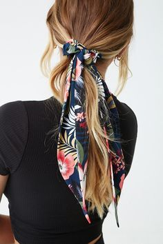 Floral & Leaf Print Bow Scrunchie, - How to make scrunchies - Floral & Leaf Print Bow Scrunchie, Floral & Leaf Print Bow Scrunchie , Floral & Leaf Print Bow Scrunchie. Scarf Hairstyles, Summer Hairstyles, Braided Hairstyles, Braided Mohawk, Simple Hairstyles, Hairstyle Ideas, Hair Looks, Scrunchies, Hair Inspiration