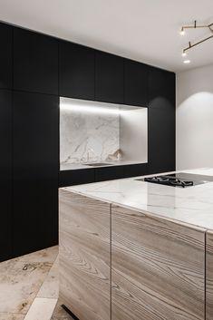 Modern Farmhouse Kitchens, Black Kitchens, Home Kitchens, Home Decor Kitchen, Interior Design Kitchen, New Kitchen, Kitchen Cupboards, Home Remodeling, Interior Architecture