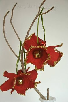 Egg Carton Holiday Amaryllis Ornament :: Hometalk