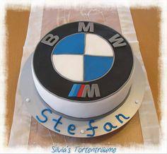 Silvia's Tortenträume: BMW BMW-Torte Logo Fondant Oreo Sahne fondantrauglich
