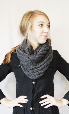 amazing knitted cowl