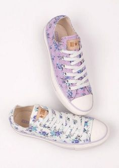 Floral converse. Yes, i still love you converse, even after what you did to me :)