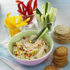 Egy finom Piros sajtos mártogatós zöldséggel ebédre vagy vacsorára? Piros sajtos mártogatós zöldséggel Receptek a Mindmegette.hu Recept gyűjteményében!