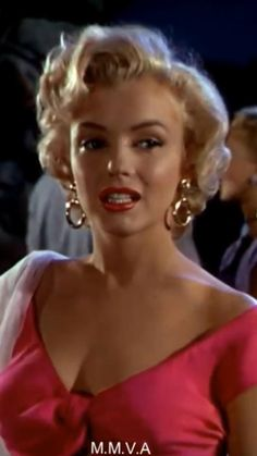 Estilo Marilyn Monroe, Marilyn Monroe Movies, Rare Marilyn Monroe, Marilyn Monroe Portrait, Marilyn Monroe Photos, Marylin Monroe Style, Marilyn Monroe Makeup, 1920s Hair Short, Old Hollywood Glamour