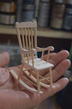 チクタクチクタク... | yuki*のブログ Modern Dollhouse Furniture, Wooden Dollhouse, Barbie Furniture, Miniature Furniture, Diy Dollhouse, Dollhouse Miniatures, Miniature Crafts, Miniature Dolls, Diy Popsicle Stick Crafts