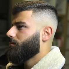 Five Top Short Mens Hairstyles For 2018 Mens Hairstyles With Beard, Cool Hairstyles For Men, Haircuts For Men, Beard Styles For Men, Hair And Beard Styles, Curly Hair Styles, Mens Beard Grooming, Hair Cutting Techniques, Beard Haircut