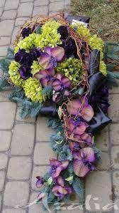 Znalezione obrazy dla zapytania nowoczesna florystyka żałobna Grave Flowers, Cemetery Flowers, Funeral Flowers, Funeral Flower Arrangements, Modern Flower Arrangements, Wreaths And Garlands, Holiday Wreaths, Cemetery Decorations, Casket Sprays