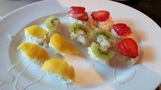 Früchte-sushi. ...