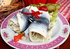 Zavináče - ze sleďů Fish Recipes, Fish Food, Canning, Ethnic Recipes, Fish Feed, Home Canning, Conservation