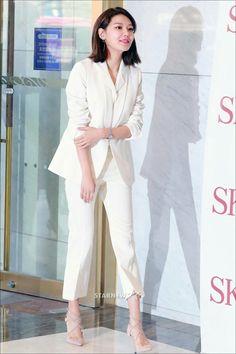 Latest Fashion Trends, Trendy Fashion, Korean Fashion, Fashion Outfits, Womens Fashion, Office Fashion, Airport Fashion, Korean Celebrities, Sooyoung