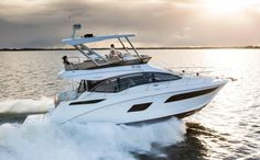 First Look: 2016 Sea Ray 400 Fly