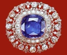 Queen Elena's Sapphire And Diamond Brooch - 35 carats,1900