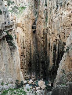 Hiking in Spain - El Caminito del Rey. lifeofbrit.com