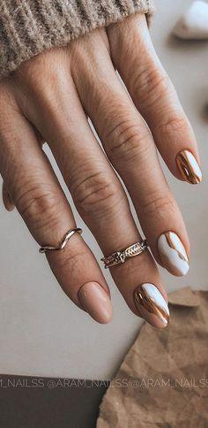 Gold Gel Nails, Gold Chrome Nails, White Nails With Gold, Mauve Nails, Gold Nail Art, Chrome Nail Art, Nagellack Design, Nagellack Trends, Chic Nails