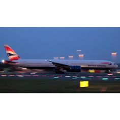 Night Flight - British Airways Boeing 777-36N(ER) G-STBE arriving before sunrise as BA15 from Singapore - by @lush_aviation