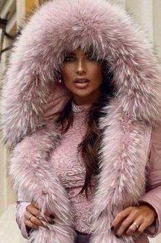 Fur Fashion, Womens Fashion, Picture Poses, Fur Collars, Portraits, Mantel, Parka, Dame, Sexy Women
