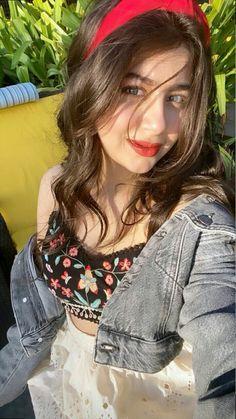 Teen Actresses, Indian Actresses, Stylish Girls Photos, Girl Photos, Disney World Outfits, Party Wear Indian Dresses, Teen Girl Photography, Fancy Dress Design, Jugend Mode Outfits