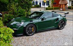 Amazing: This car is my dream ride. So groovy Porsche Sports Car, Porsche Cars, Audi, Bmw, Car Paint Colors, Volkswagen, Classic Car Restoration, Porsche 911 Targa, Supercars
