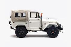 Gear Patrol builds an exclusive FJ40 - Acquire