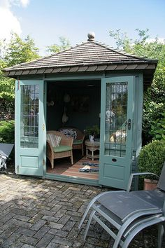 The Hidden Gardens of Bury St Edmunds - a great little Summer House/Writer's Retreat - whatever you want it to be. Don't we all need our own special space? Summer House Garden, Home And Garden, Summer Houses, Backyard Sheds, Garden Sheds, Garden Design, House Design, Hidden Garden, She Sheds