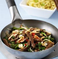 Chilli beef and mushroom stir-fry - healthy recipes from www.hellomagazine.com