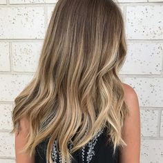 Well @britdoesmyhair, does she do yours?  #hair #hairenvy #hairtalk #haircolor #bronde #blonde #balayage #highlights #newandnow #inspiration #maneinterest