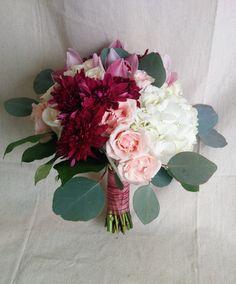 Marsala wedding bouquet in more pink hues Inexpensive Wedding Flowers, Neutral Wedding Flowers, Winter Wedding Flowers, Bridal Flowers, Floral Wedding, Burgundy Wedding, Green Wedding, Boho Wedding, Wedding Flower Arrangements