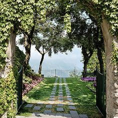 If you are planning Civil Wedding Ravello, At Incanto Wedding in Italy will give you all the necessary support to create the perfect civil ceremony. #CivilweddingRavello #CivilweddinginRavello Wedding Planner Italy, Destination Wedding Planner, Italy Wedding, Small Flower Gardens, Positano Italy, Civil Wedding, Civil Ceremony, Good Marriage, Indoor Wedding