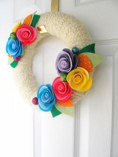 Yarn Wreath  I want to make one