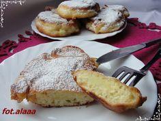 Ala piecze i gotuje: Drożdżowe racuchy z jabłkami Polish Recipes, Polish Food, Camembert Cheese, French Toast, Sweet Tooth, Muffin, Tasty, Favorite Recipes, Sweets