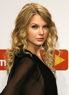 taylor swift- American country pop singer-songwriter, musician and actress