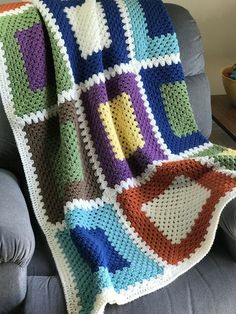 Transcendent Crochet a Solid Granny Square Ideas. Inconceivable Crochet a Solid Granny Square Ideas. Crochet Square Blanket, Granny Square Crochet Pattern, Afghan Crochet Patterns, Crochet Squares, Knitting Patterns, Granny Squares, Big Granny, Crochet Granny, Free Knitting
