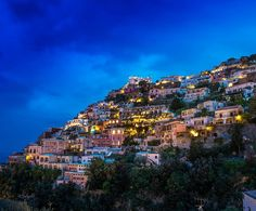 Hello my friends #positano looks magic at night.... . . . . . . . . . . . . . . . . . .  #bestvacations #vivo_italia #citypicz #loves_madeinitaly #instaitalia #italian_places #italy_vacations #ig_italia  #ig_italy #topeuropephoto #thebestdestinations #ig_worldclub #igglobalclub #shotaward #fantastic_shotz #worldbestshot #igbest_shotz #master_shots #infinity_shotz #world_shotz #loves_italia #italia_bestsunset #italian_trips #top_italia_photo #campania #landscape_captures #ig_mood…