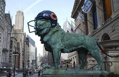 Chicago Bears Football ~ Chicago's Art Institute shows its support ...