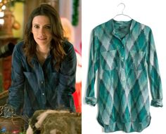 """Juliette Silverton (Bitsie Tulloch) wears a Madewell Wellspring Tunic Popover in Pixel Ikat in the color Blue Grimm Season 4 Episode 7 """"The Grimm Who Stole Christmas."""" #juliette #grimm #nbc"""