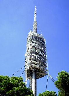 The Norman Foster Tower, Barcelona, Spain #edificios #buildings #vidrio #glass #vidro #normanfoster