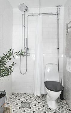 Tiny House Bathroom Designs That Will Inspire You, Best Ideas ! Wet Room Bathroom, Tiny Bathrooms, Tiny House Bathroom, Upstairs Bathrooms, Bathroom Toilets, Laundry In Bathroom, Bathroom Design Small, Bathroom Layout, Basement Bathroom