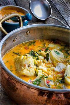 Bourride Provençale👣🇪🇸💃🍽️ RecetteTrois types de poisson, selon les goûts de chacun, sont utilisés pour ce plat typiquement...