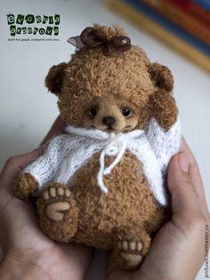 Little Children, Baby Toys, Teddy Bear, Crochet, Illustration, Bears, Animals, Little Boys, Animales